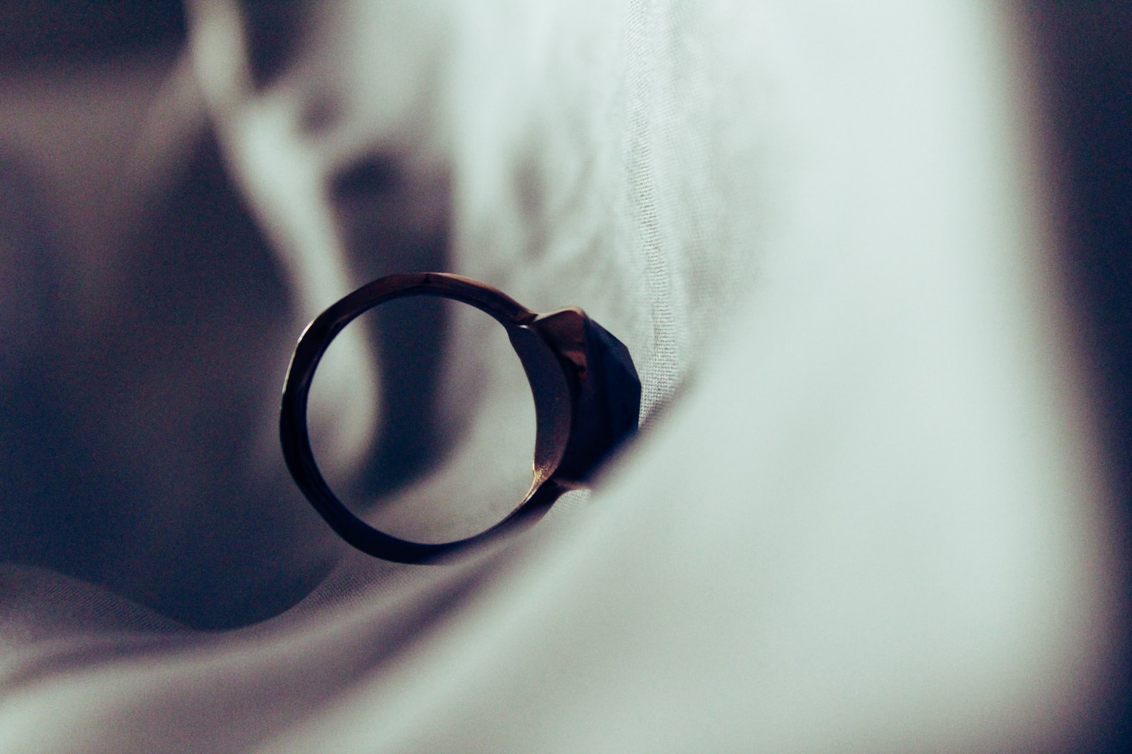 Can I divorce without a solicitor?